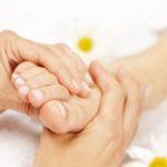 Cách xoa bóp chữa trị đau mỏi vai gáy tê bì chân tay