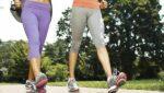 Đau khớp gối có nên đi bộ?